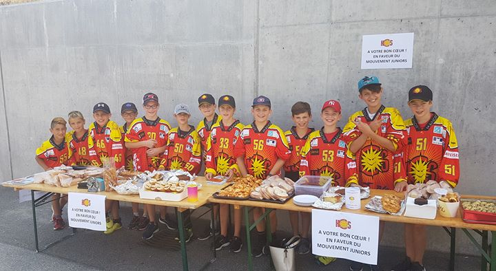 Vente de gâteaux et sandwichs avant les matchs amicaux de la première équipe 🥪…